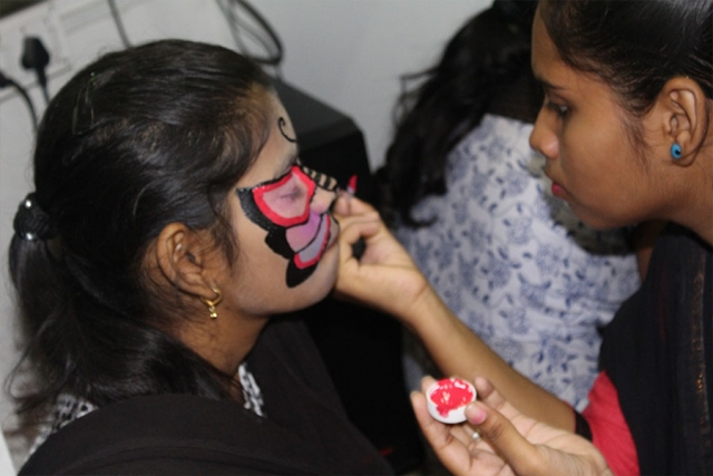 Saturday Activities with Face painting Making